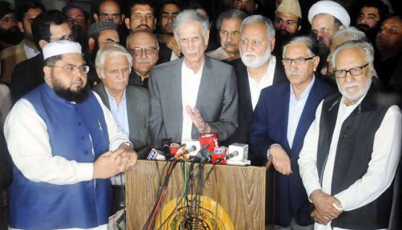 Azadi March: Deadlock between govt, opposition continues