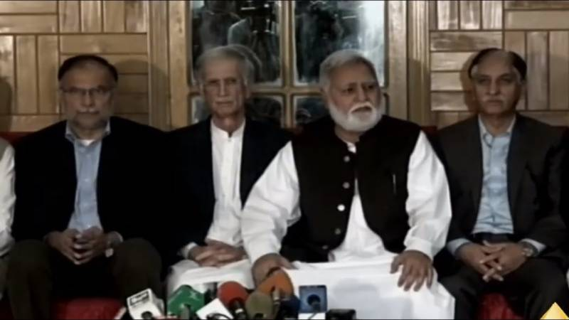 Azadi March: Govt, opposition's teams resume talks to break deadlock today