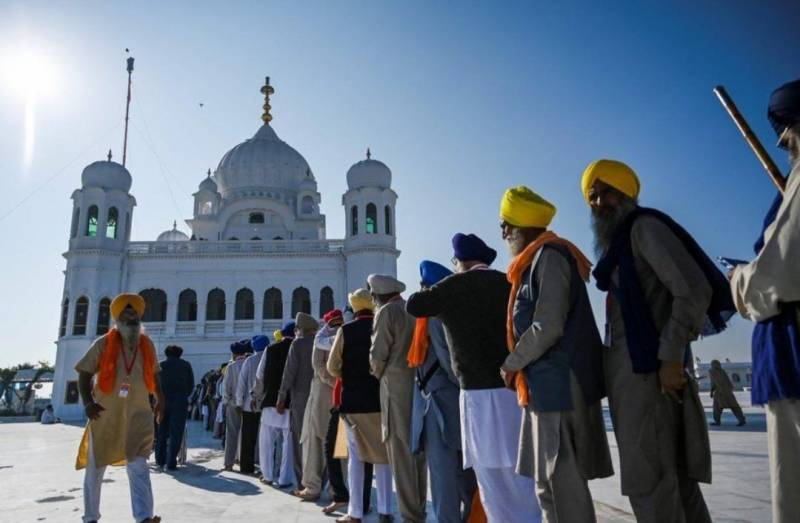 Ex-Indian PM Manmohan Singh hails Kartarpur opening as 'big moment'
