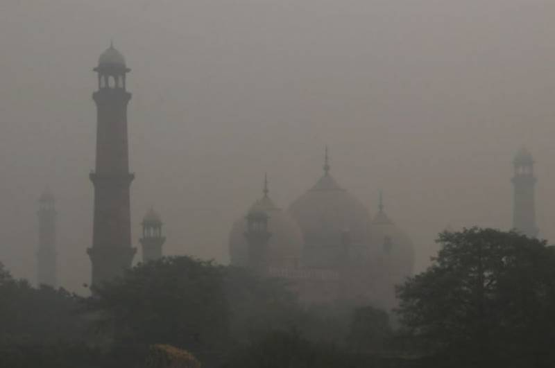 All schools in Lahore, Faisalabad and Gujranwala to remain closed for two days due to dense smog