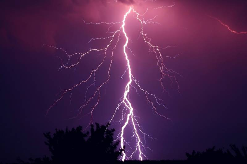 Lightning claims 17 lives in parts of Sindh