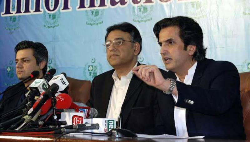 Asad Umar to replace Khusro Bakhtiar as Minister for Planning, Special Initiatives