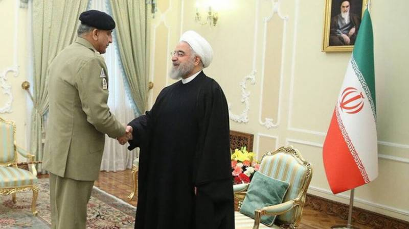 Top Pakistan general meets Iranian president to discuss regional security