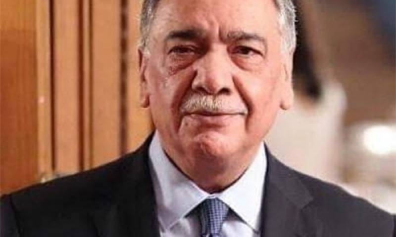 Judiciary didn't allow Nawaz Sharif to travel abroad, CJP Khosa to PM Imran