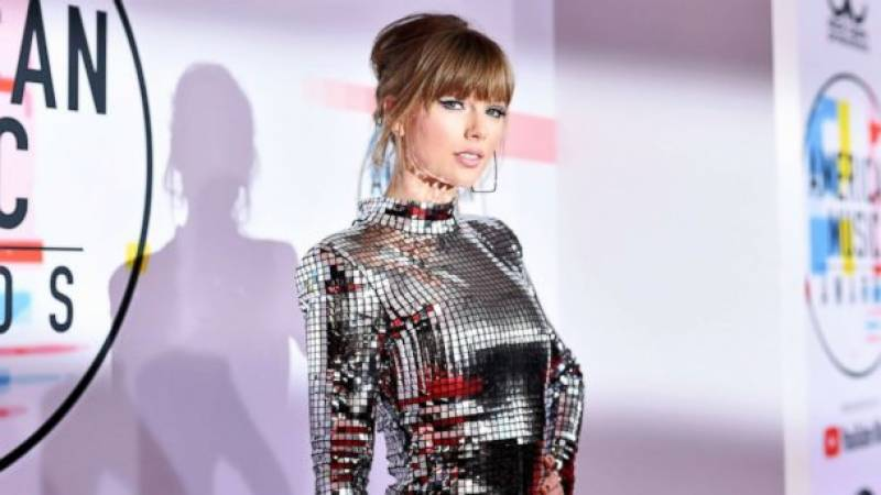 Taylor Swift announced as Billboard's first ever woman of the decade