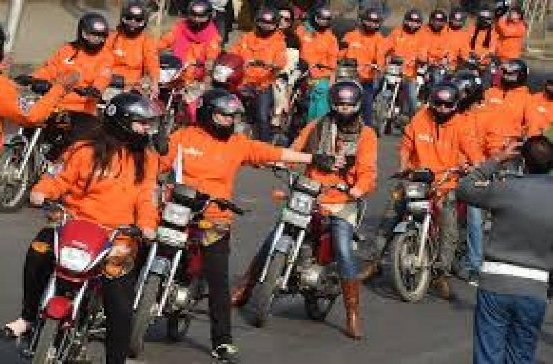 Women on Wheels campaign lands in Karachi
