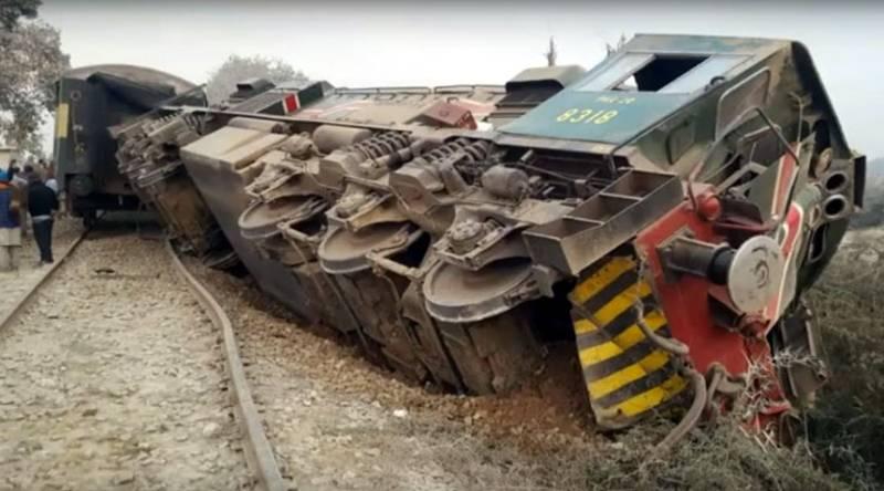 1 killed, 8 injured in Sargodha train-truck collision