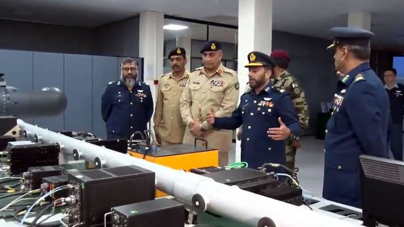 COAS Bajwa lauds professional achievements of PAF, PAC