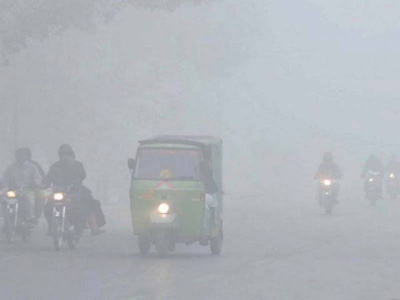 Dense fog covers plain areas in Punjab