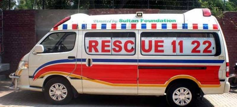 Coaster-tractor collision leaves five dead in Hafizabad