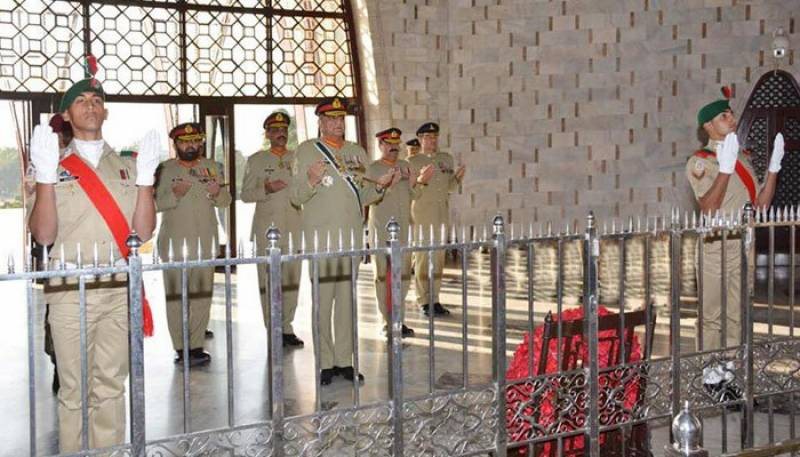 COAS Bajwa visits Quaid's mausoleum on birth anniversary