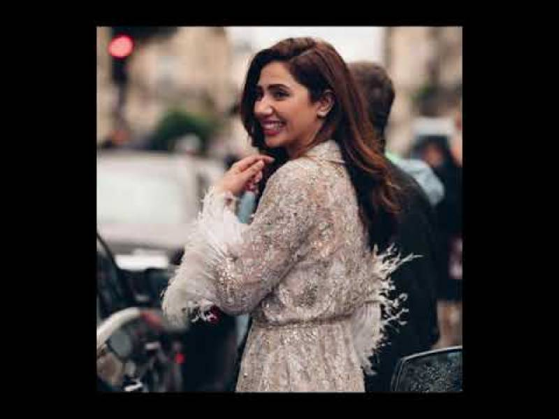 Mahira Khan pens a heartwarming post about her growth over the decade