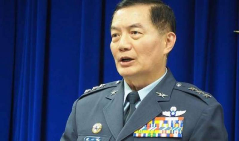 Taiwan's top military officer among7 killed in chopper crash