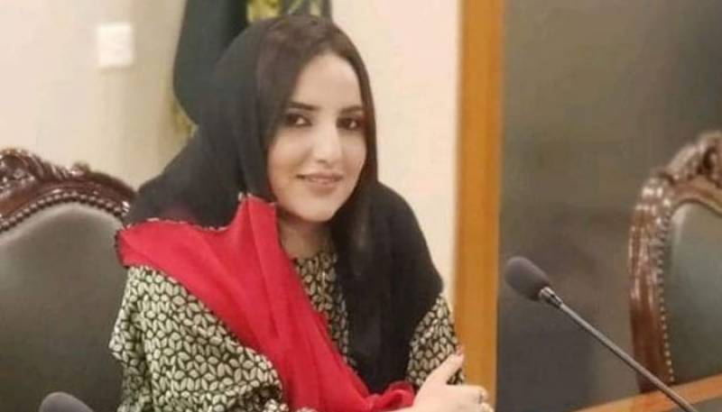 Hareem Shah's father seeks apology for controversial videos