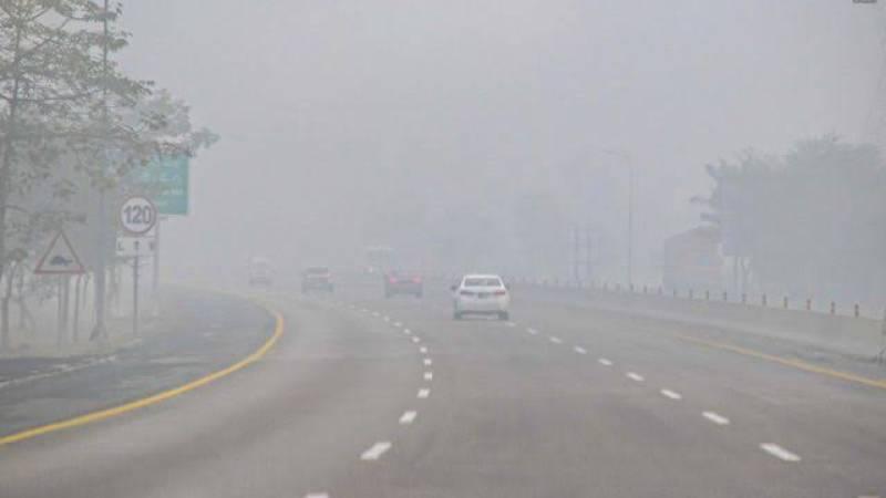 Dense fog hits plain areas in Punjab