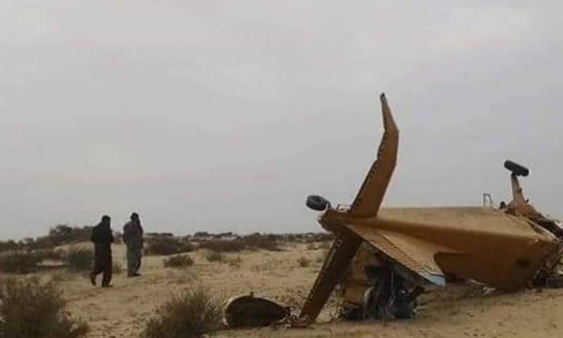 2 killed as small aircraft crashes in Cholistan