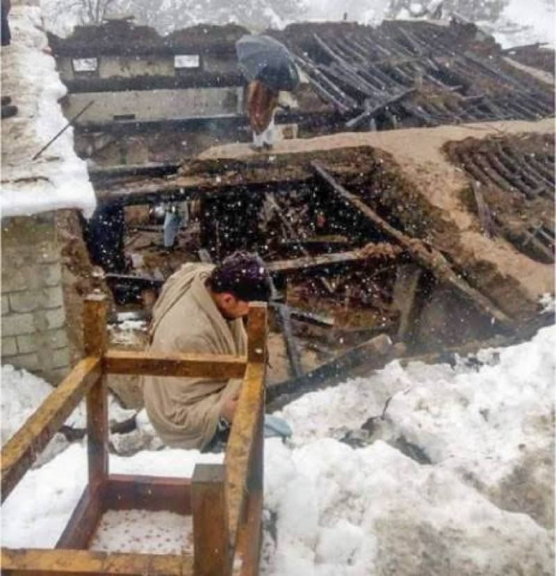 Roof collapse incident claims 4 lives in Swat