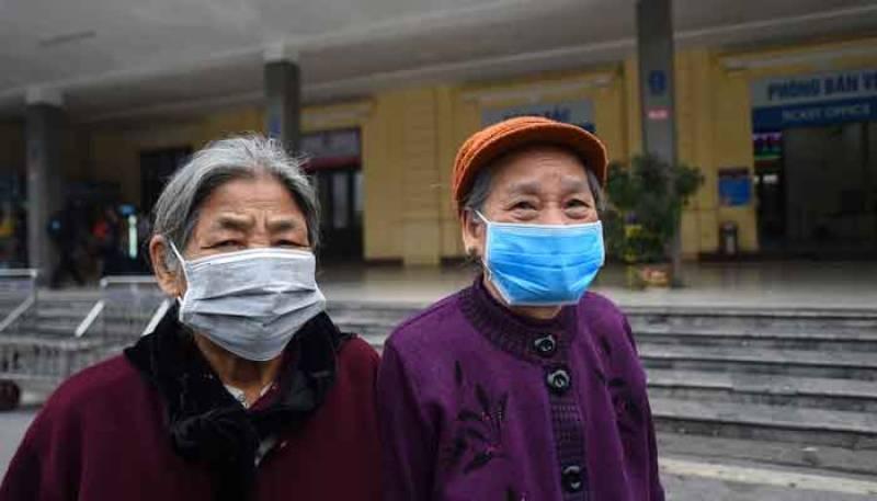 Coronavirus death toll crosses 300