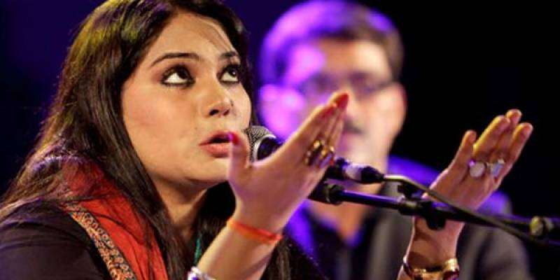 Sanam Marvi files for Khula in Lahore court