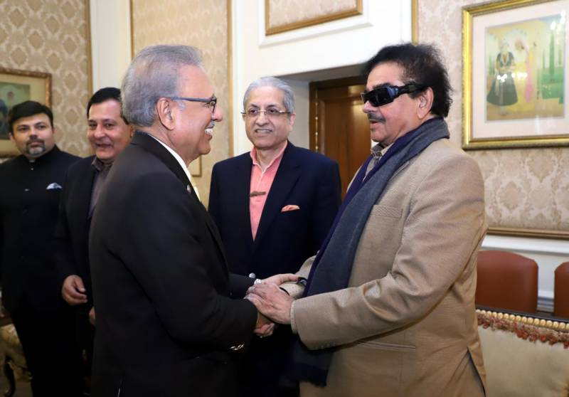 India's Shatrughan Sinha calls on Pakistan President Alvi in Lahore