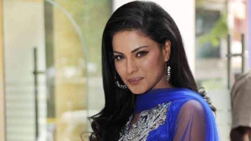 Did Veena Malik just defend Khalil Ur Rehman Qamar's indecent attitude towards Marvi Sirmed?