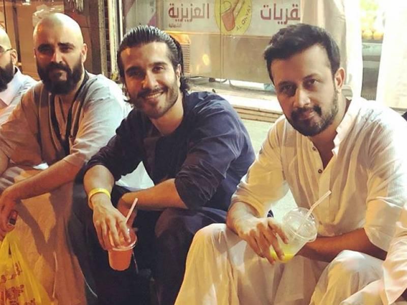Hamza Ali Abbasi supports Feroze Khan's decision to quit showbiz