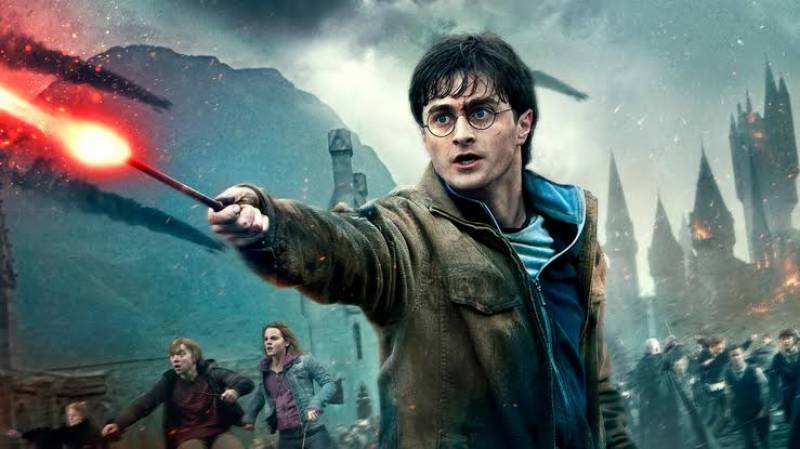 Harry Potter star Daniel Radcliffe dismisses coronavirus rumor
