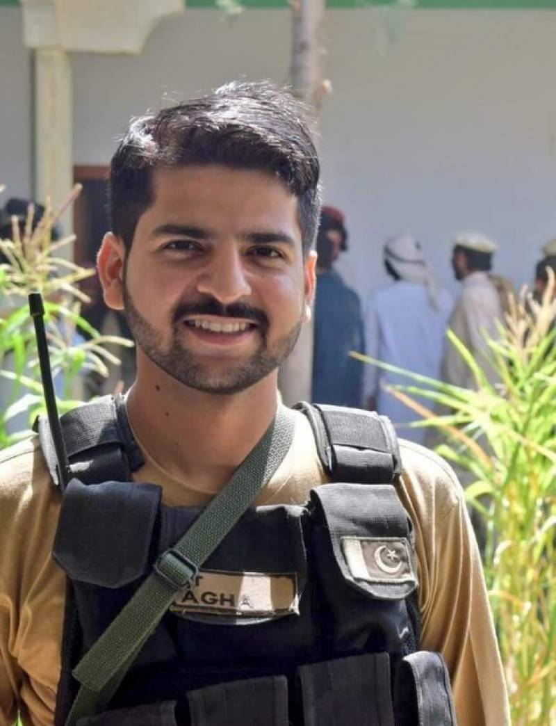 Hero of North Waziristan, Lt Agha Muqaddas, laid to rest in Lahore