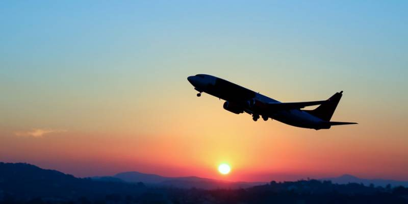 Coronavirus: Pakistan halts all international passenger flights for 2 weeks