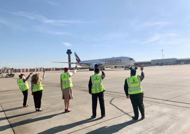 Emirates staff gives an emotional send-off to last flights