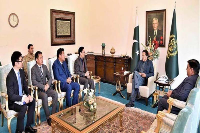 Senior officials of Chinese companies call on PM Imran; donate Rs5 m for COVID-19 Relief Fund