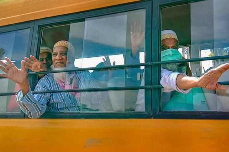 Coronavirus: 193 Pakistanis stranded in India return home