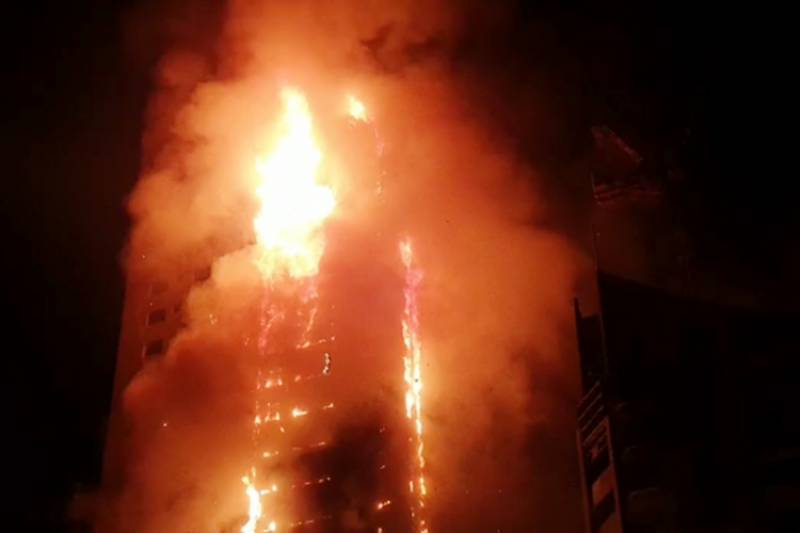 Several injured as massive fire erupts at residential tower in Sharjah