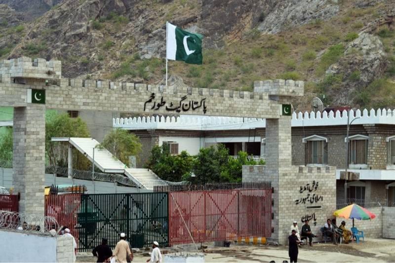 305 stranded Pakistanis return home via Torkham
