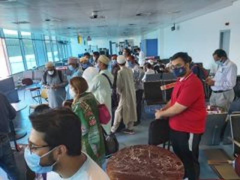 51 stranded Pakistanis leaves Cairo for Islamabad