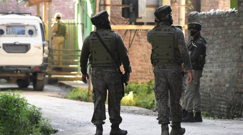 Indian troops arrest 4 young Kashmiris youth in Badgam