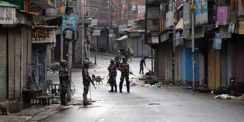 Indian siege of Occupied Kashmir completes 300 days