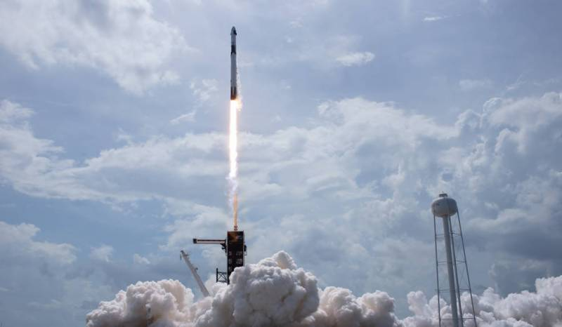 NASA, SpaceX launch astronauts to orbit from America in historic test flight