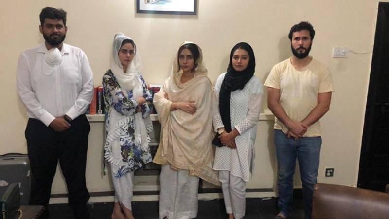 Uzma Khan withdraws case against Malik Riaz's daughters