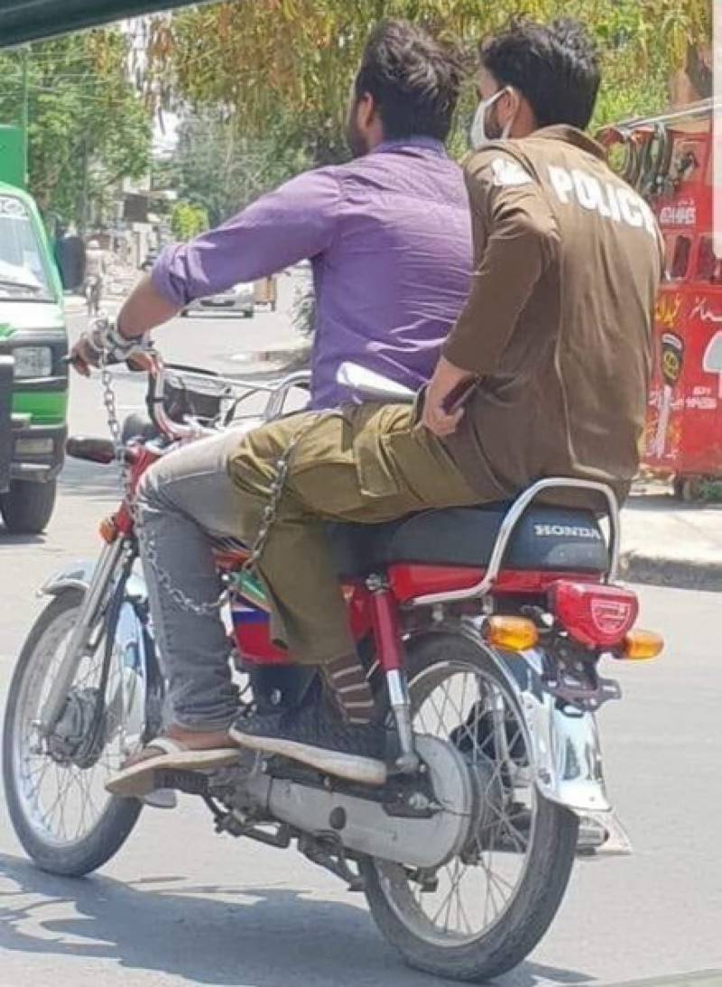 The 'Perfect Pair': It happens only in Pakistan!