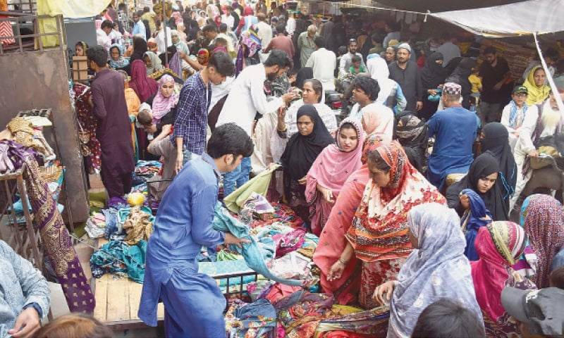 COVID-19: Punjab, KP decides to shut down major markets over violation of SOPs
