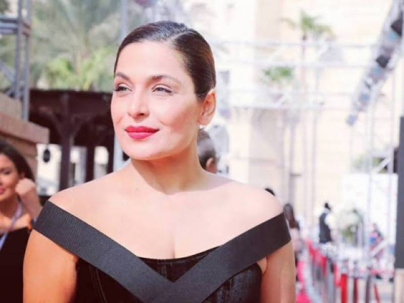 Meera claims she's writing her autobiography