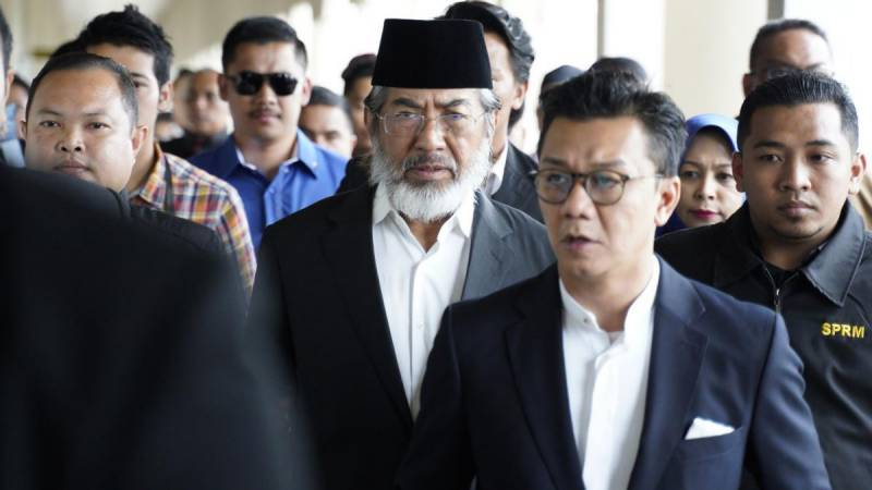Malaysia drops another high-profile corruption case