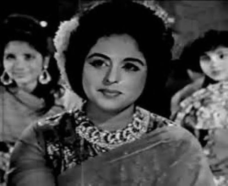 Mahira Khan, Samina Peerzada and others mourn the loss of Sabiha Khanum
