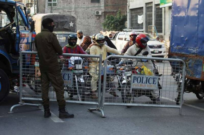 Smart lockdown: 61 areas in Lahore sealed as COVID-19 cases rise