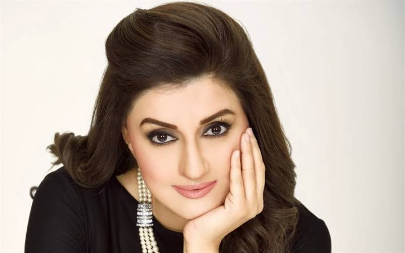 Ayesha Sana booked in money scam