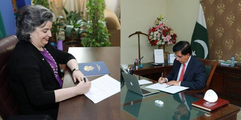 US consulate, University of Education Lahore ink agreement to open Lincoln Corner at Vehari campus