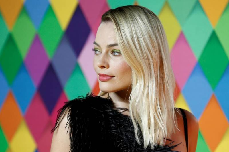 Margot Robbie to star in all female 'Pirates of the Caribbean' movie