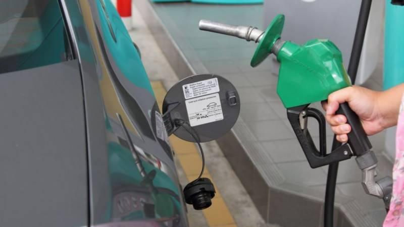 Pakistan govt likely to revise petrol prices again