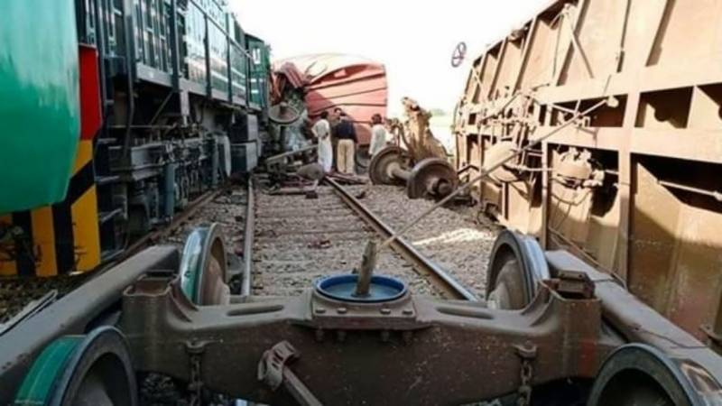 Two injured after two trains collide near Rahim Yar Khan